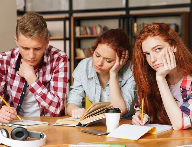 EȘTI ADOLESCENT și ai probleme / Vino la clinica de psihoterapie