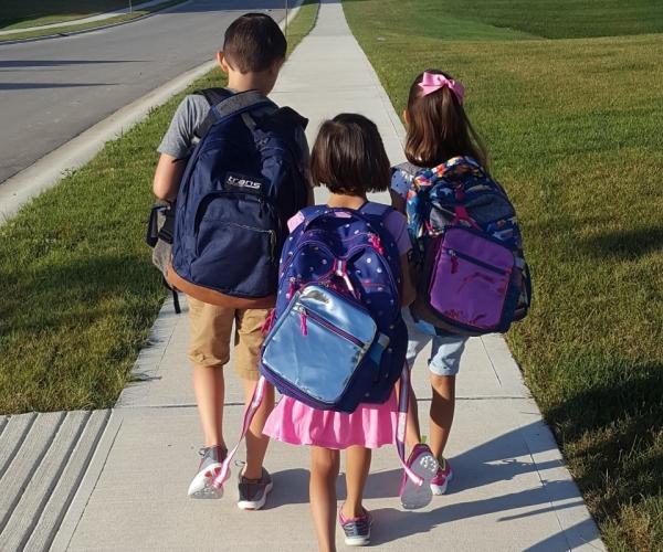 Prima zi de scoala sau gradinita – calatoria a inceput!